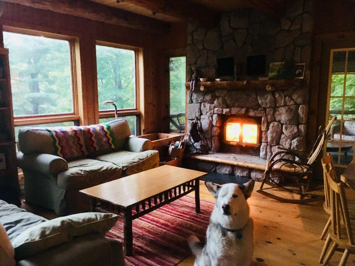 Bring your pod and your pooch to Moses Second Heaven rental for fireside R&R.