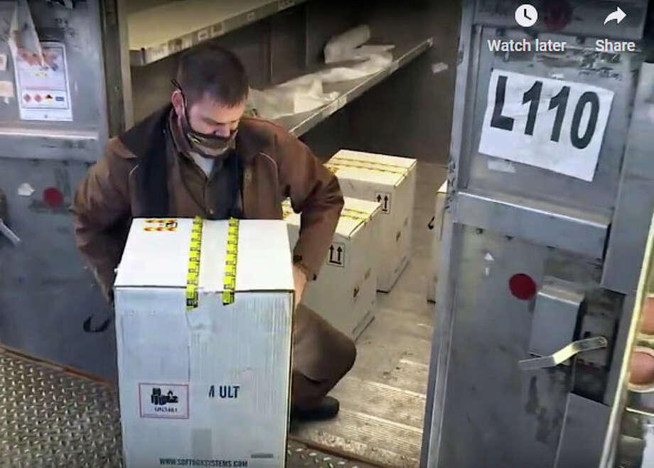 Shipments of COVID-19 vaccines are delivered to a secure facility in Illinois for distribution to local health departments. Photo: State Of Lllinois