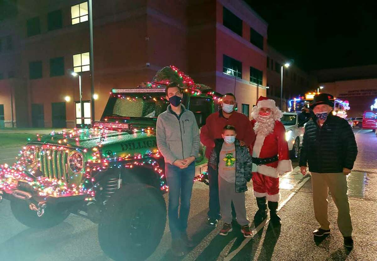 Middletown Mayor Ben Florsheim, left, with Santa Claus and the third-place winners of the