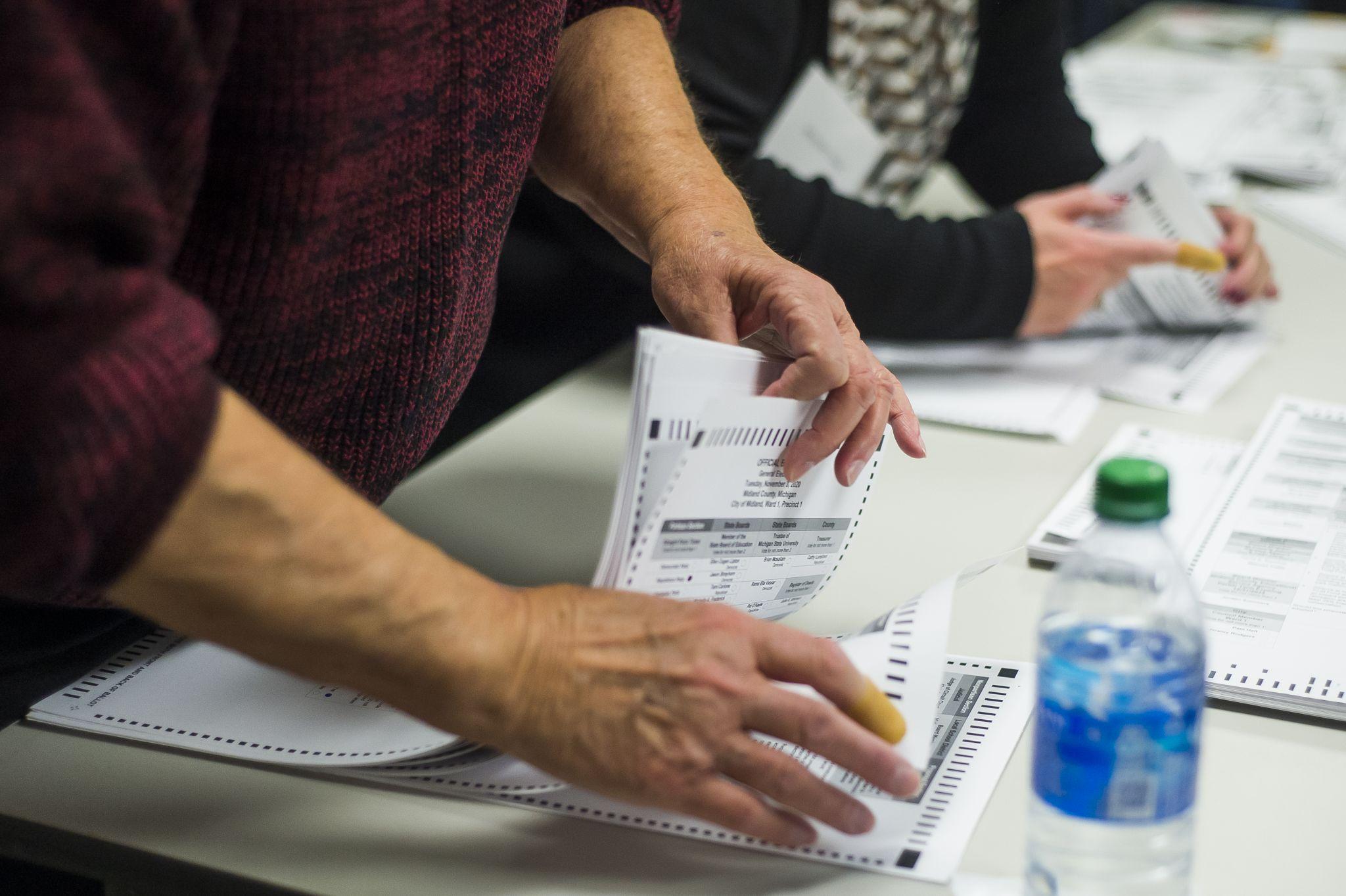 Líderes políticos de Midland divididos por líneas de redistribución de distritos