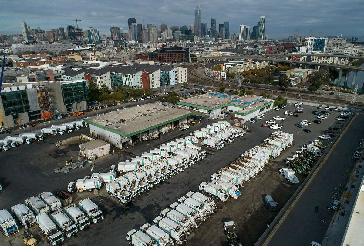 Amazon plans to build a delivery station at a site on Seventh Street in S.F. near the Caltrain tracks.