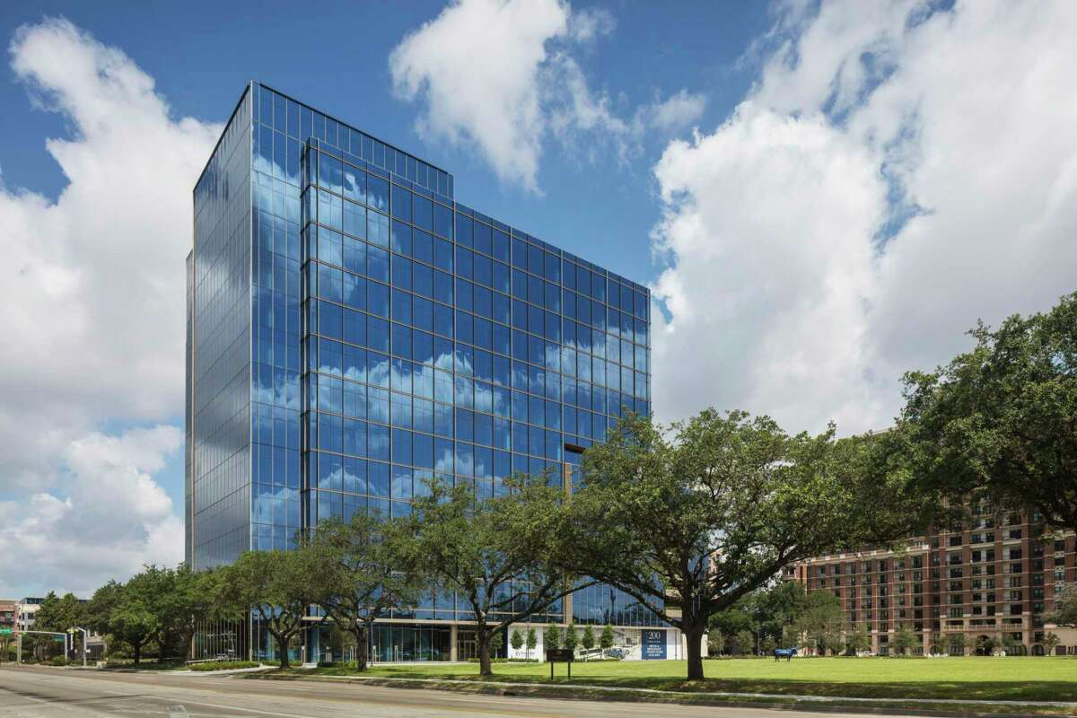 Stonelake Capital Partners has executed a lease with JLL for 81,999 square feet in the 200 Park Place building at at 4200 Westheimer.The JLL name and logo will be displayed at the top of the 15-story tower.