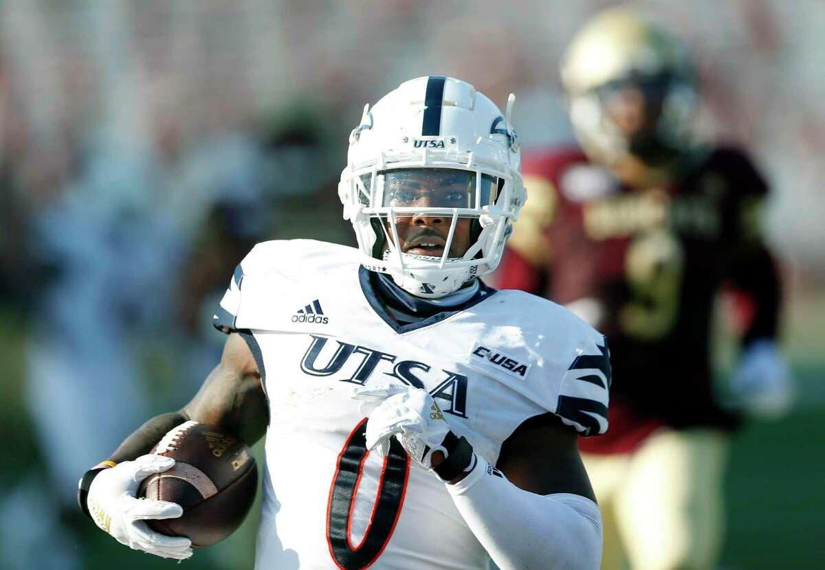 UTSA safety Rashad Wisdom intercepts a pass late in fourth quarter and returns it for a touchdown. UTSA at Texas State on Saturday, September 12, 2020. UTSA defeated Texas State 51-48 in double OT.