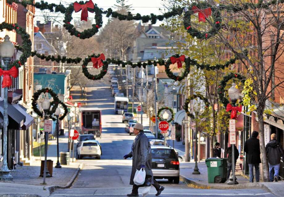 Christmas decorations on Caroline Street at Broadway mark the start of the holiday season in Saratoga Springs Wednesday November 24, 2010. stand alone (John Carl D'Annibale / Times Union) Photo: John Carl D'Annibale/Albany Times Union