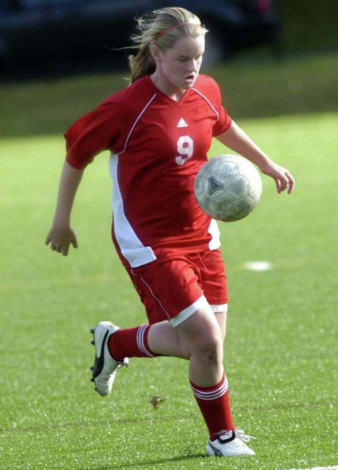 Greenwich's Shannon Colligan was recently named to the Connecticut Olympic Development Program U-17 team. Photo: Keelin Daly / Greenwich Time