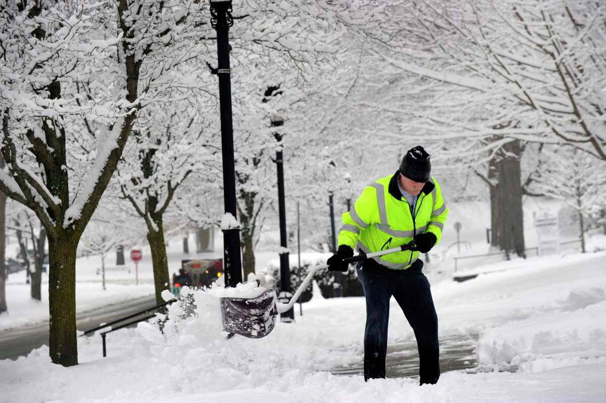 New Milford Public Works has declared a snow emergency and parking ban in effect ahead of the expected snow later today.