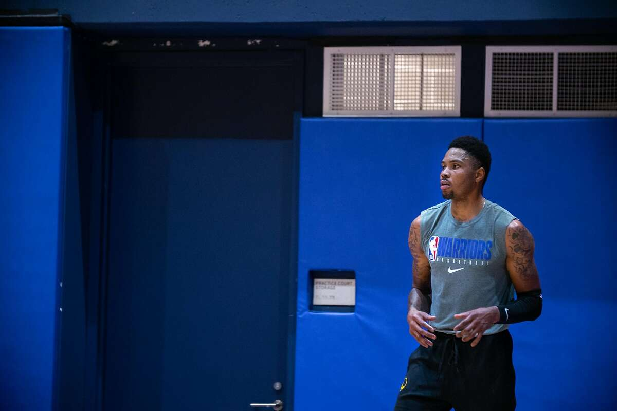 Kent Bazemore at the Golden State Warriors?• practice at Chase Center in San Francisco, Calif. on Thursday, Dec. 10, 2020.