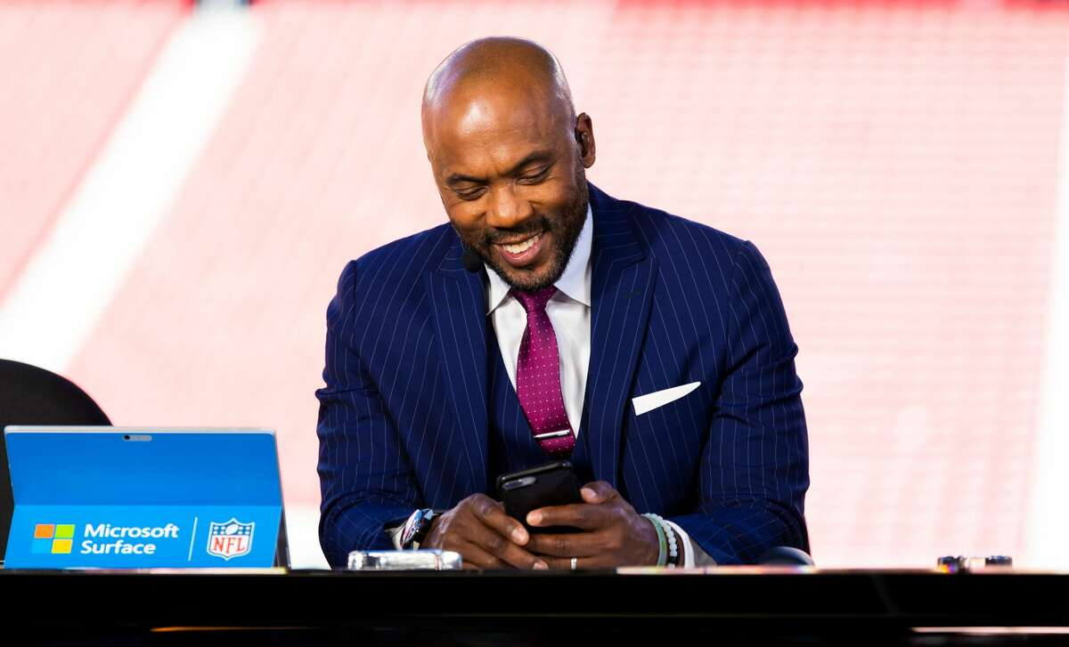 SANTA CLARA, CA - OCTOBER 07: ESPN Monday Night Football Studio Analysts Louis Riddick during the NFL regular season football game between the Cleveland Browns and the San Francisco 49ers on Monday, Oct. 7, 2019 at Levi's Stadium in Santa Clara, Calif. (Photo by Ric Tapia/Icon Sportswire via Getty Images)