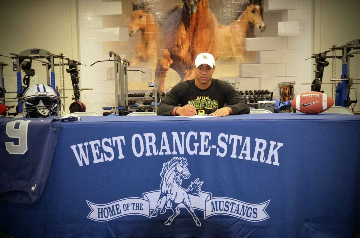 West Orange-Stark football middle linebacker Tyrone Brown signed his national letter of intent to Baylor University on Wednesday, Dec. 16, 2020 in the Cornell Thompson Strength and Conditioning Center at WO-S High School in West Orange, Texas.