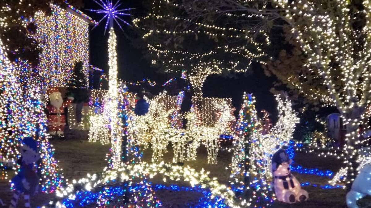 A Boerne family will showcase their massive holiday light display and compete in the ninth season of ABC's