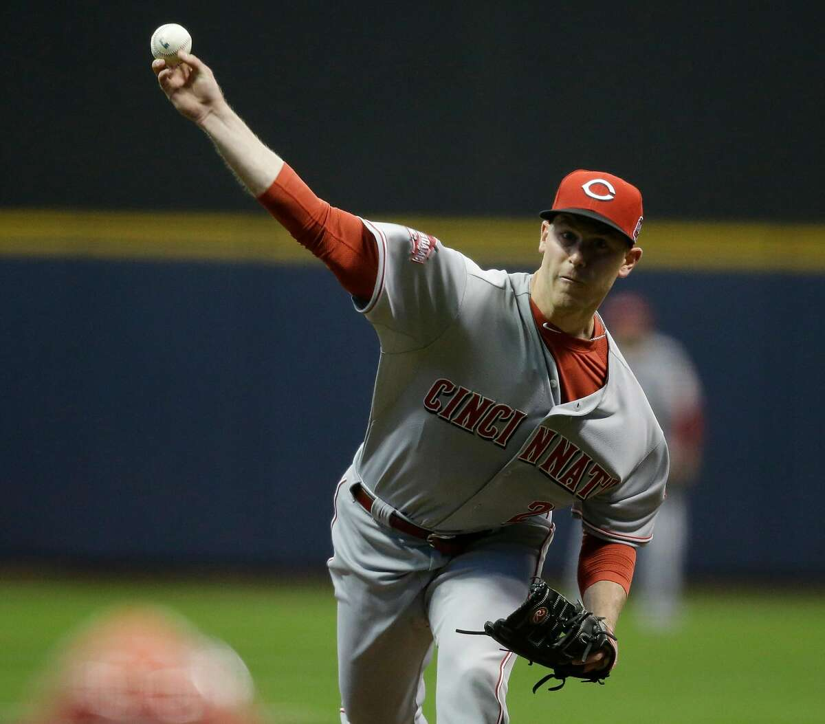 Cincinnati Reds starting pitcher Anthony Desclafani throws to the Milwaukee Brewers during the first inning of a baseball game Monday, April 20, 2015, in Milwaukee. (AP Photo/Jeffrey Phelps)