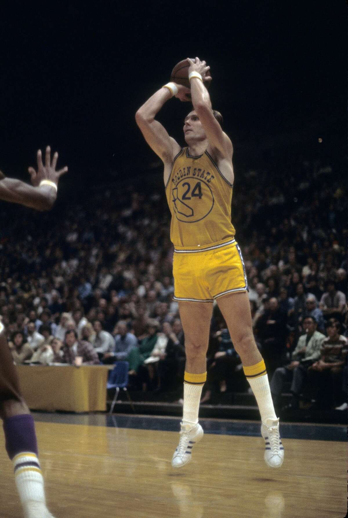 Rick Barry criticized his teammates after the season-opening loss in trademark fashion.