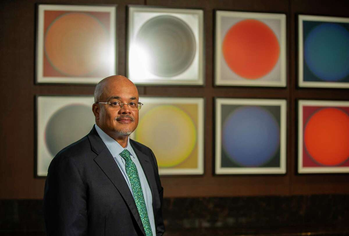 In the past eight years, Barron Wallace has led more than 300 public finance projects valued at $37.3 billion.
