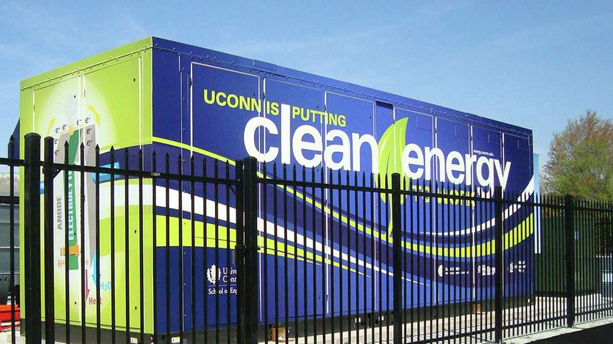 A Doosan Fuel Cell America unit providing power at the University of Connecticut.