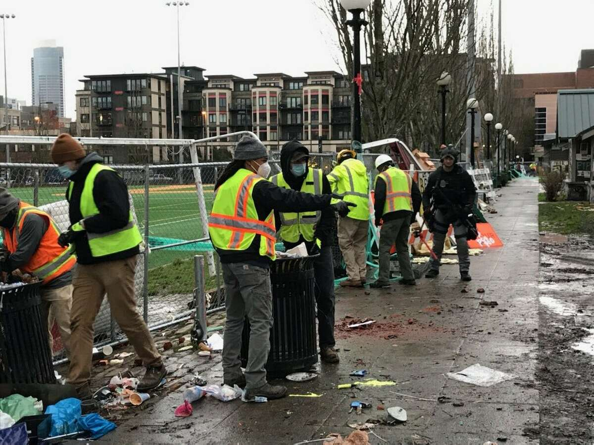SPD begins sweep of Cal Anderson Park after judge dismisses suit