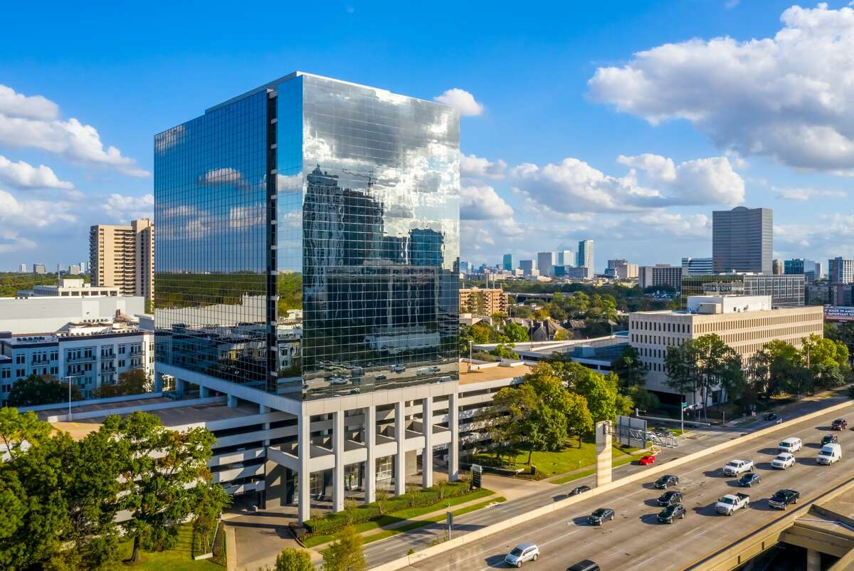 Cadence Bank has signed a long-term, 82,215-square-foot lease at Park Towers at 1333 West Loop South.