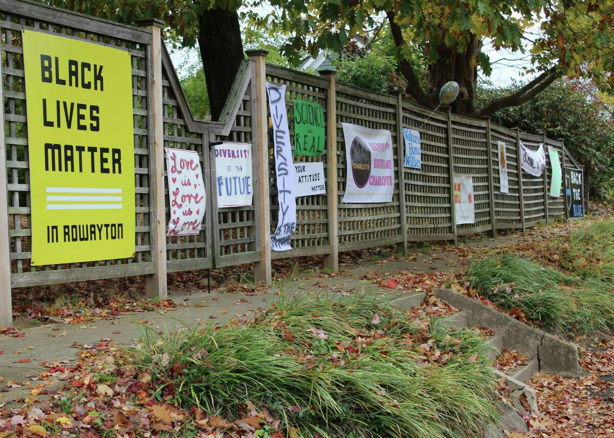 The Sixth Taxing District asked residents to remove all signs from the Old School Field fence until new regulations could be voted on in January.