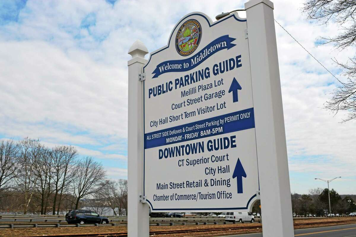 Visitors, restaurant goers and others who shop in Middletown can avail themselves of free parking in city lots on the weekends during the holidays. More people are complaining about receiving citations for illegal parking, officials say.