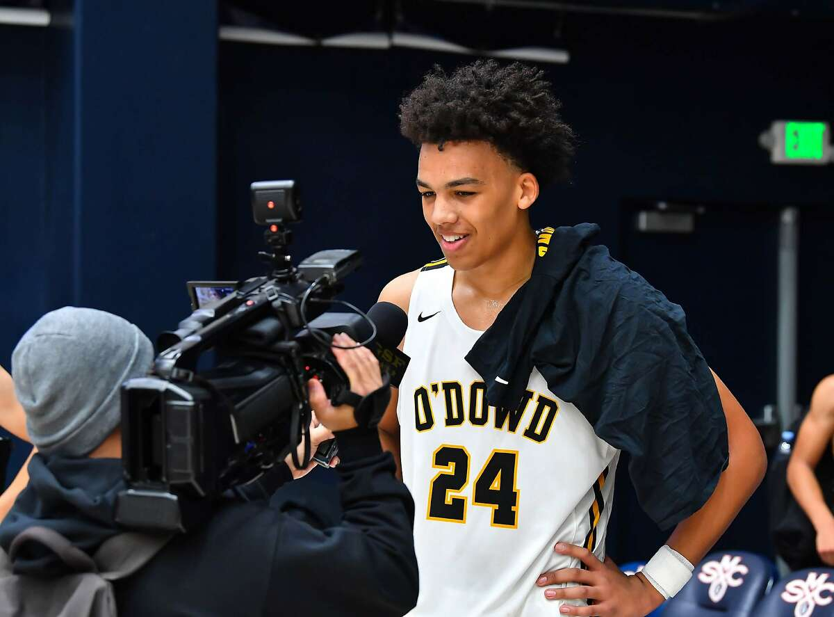 Bishop O'Dowd forward Jalen Lewis is among the nation's top college recruits in the high school class of 2023.