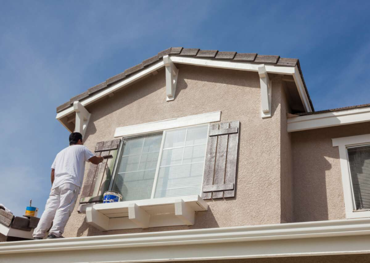 #55. Helpers - painters, paperhangers, plasterers, and stucco masons - Annual mean wage: $32,930 - Employment: 10,850 Painters, paperhangers (who fill cracks and splits in walls and coverings), plasterers, and stucco masons (who apply cement and plaster to surfaces), cannot be afraid of heights and must be able to stand for long periods. Plasterers and stucco masons can make up to around $52,820 annually when employed by building finishing contractors specifically in the government sector, minus hospitals and schools.
