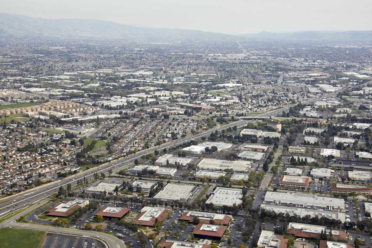 Aerial photography view south of Milpitas. The picture includes Montague & 1st, San Jose, Great Mall, Pinewood Park, and the Nimitz freeway.