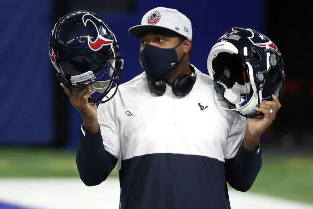 Houston Texans helmets with transmitters in them are tested before an NFL football game against the Indianapolis Colts at Lucas  Field Sunday, Dec. 20, 2020, in Indianapolis. Photo: Brett Coomer, Staff Photographer / © 2020 Houston Chronicle