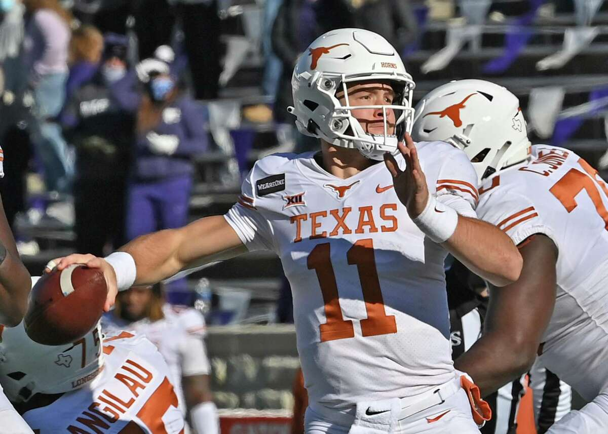MANHATTAN, KS - DECEMBER 05: Quarterback Sam Ehlinger #11 of the Texas Longhorns throws a pass against the Kansas State Wildcats during the first half at Bill Snyder Family Football Stadium on December 5, 2020 in Manhattan, Kansas. (Photo by Peter Aiken/Getty Images)