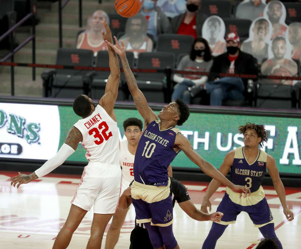 Sunday's game against Alcorn State ended a 15-day layoff for the UH men's basketball team.