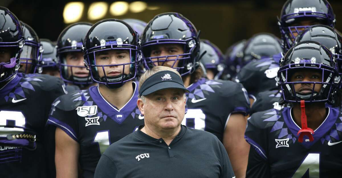 Head coach Gary Patterson of the TCU Horned Frogs waits with players before being introduced before the game with the West Virginia Mountaineers at Amon G. Carter Stadium on November 29, 2019 in Fort Worth, Texas. West Virginia won 20-17. (Photo by Ron Jenkins/Getty Images)