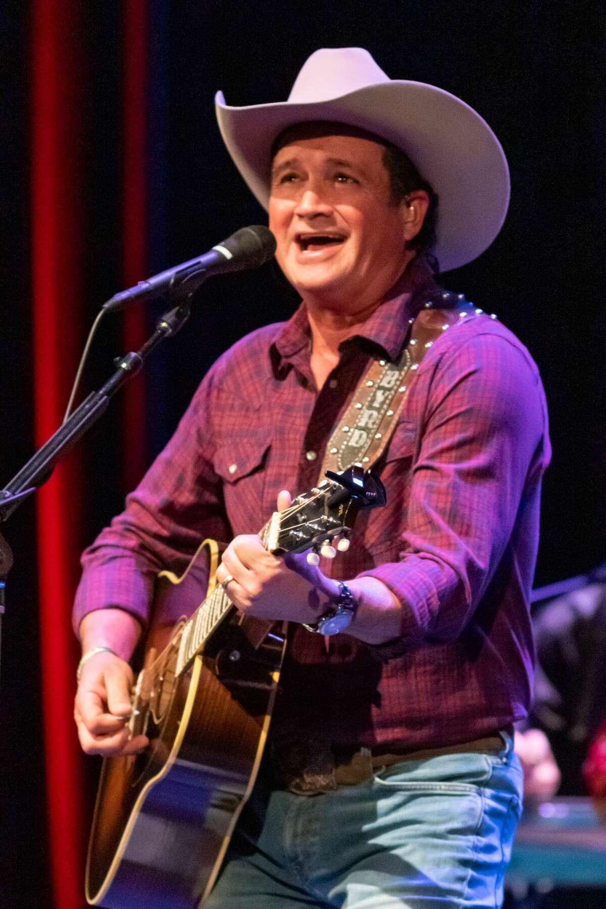 The Jefferson Theatre presented their first live concert since the pandemic took hold as they welcomed country star Tracy Byrd and bluesman Mike Zito to the stage Saturday night. Byrd is a native of Vidor and Zito grew up in St. Louis, but now calls SETX home. Photo made on December 19, 2020. Fran Ruchalski/The Enterprise