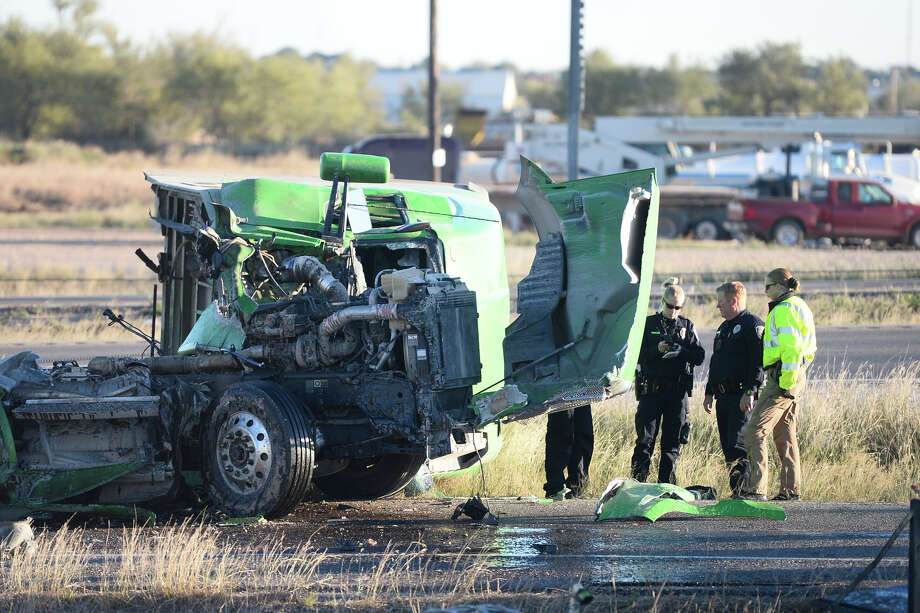 Midland Police work the scene of an accident involving oilfield truck traffic Nov. 13, 2018, on Interstate 20 near the Rankin Highway exit. Permian Strategic Partnership and Permian Road Safety Coalition are providing life-saving equipment to first responders. Photo: MRT File Photio / © 2018 Midland Reporter-Telegram. All Rights Reserved.
