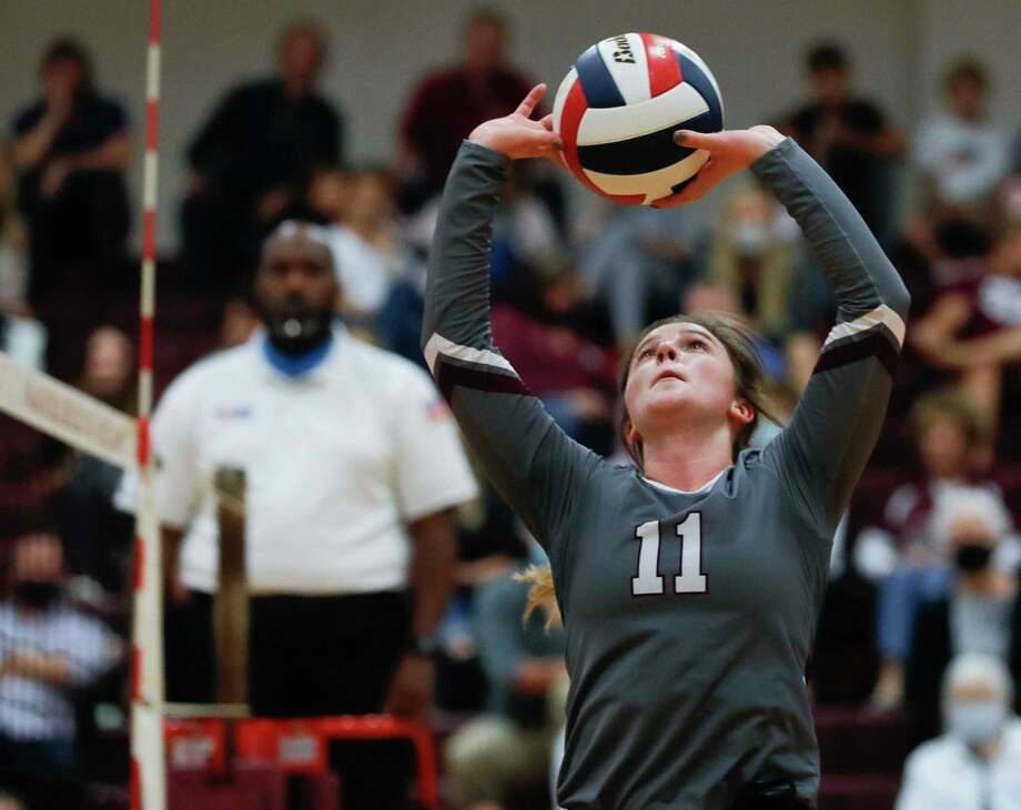 Magnolia setter Faith Lynch was named the District 19-5A Most Valuable Player after leading the Lady Bulldogs to the district championship. Photo: Jason Fochtman, Houston Chronicle / Staff Photographer / 2020 © Houston Chronicle
