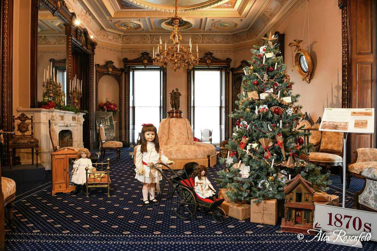 LMMM's holiday tree display and doll vignette.