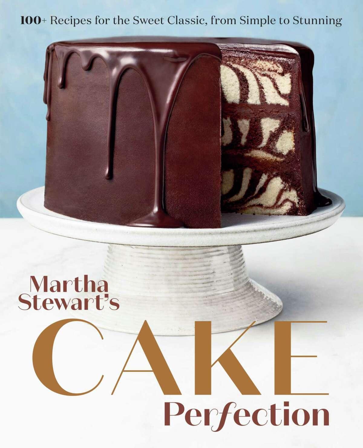 "Cover: ""Martha Stewart's Cake Perfection"" by Editors of Martha Stewart Living."
