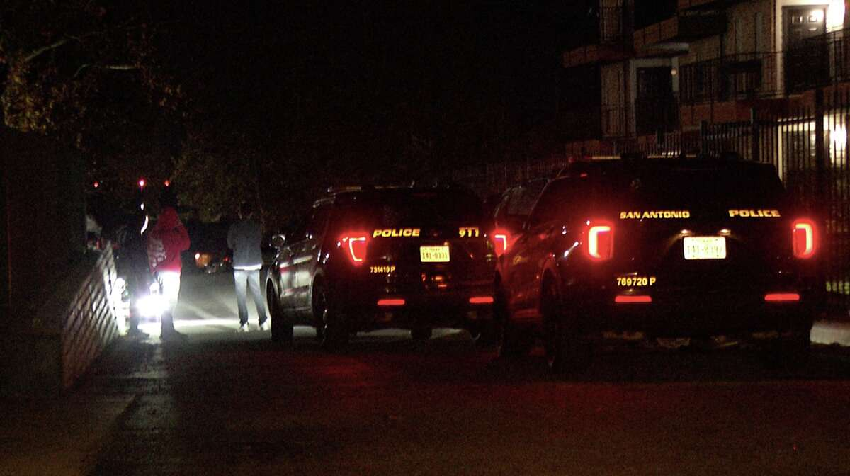 Residents of a Northwest Side apartment complex foiled a home invasion early Tuesday, police said.
