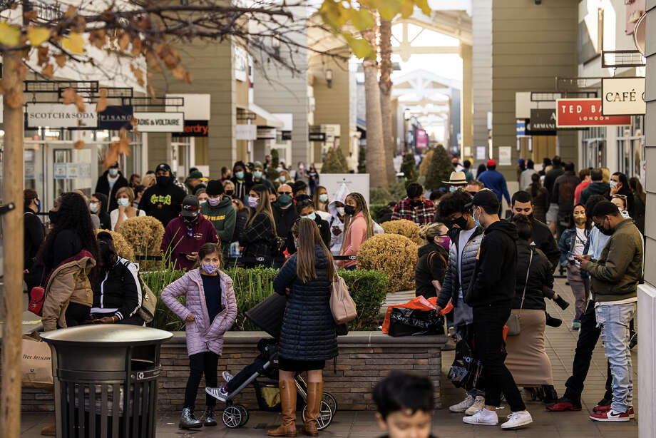 San Francisco Premium Outlets, Livermore, Calif., Dec. 21, 2020. Photo: Benny Villarreal/ Special To SFGATE
