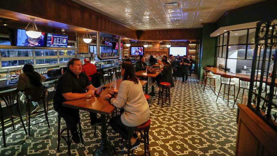 The interior bar area at Acadian Coast, a new Cajun and Creole Gulf Coast seafood restaurant with a huge front patio. Photo: Karen Warren, Houston Chronicle / Staff Photographer / © 2020 Houston Chronicle
