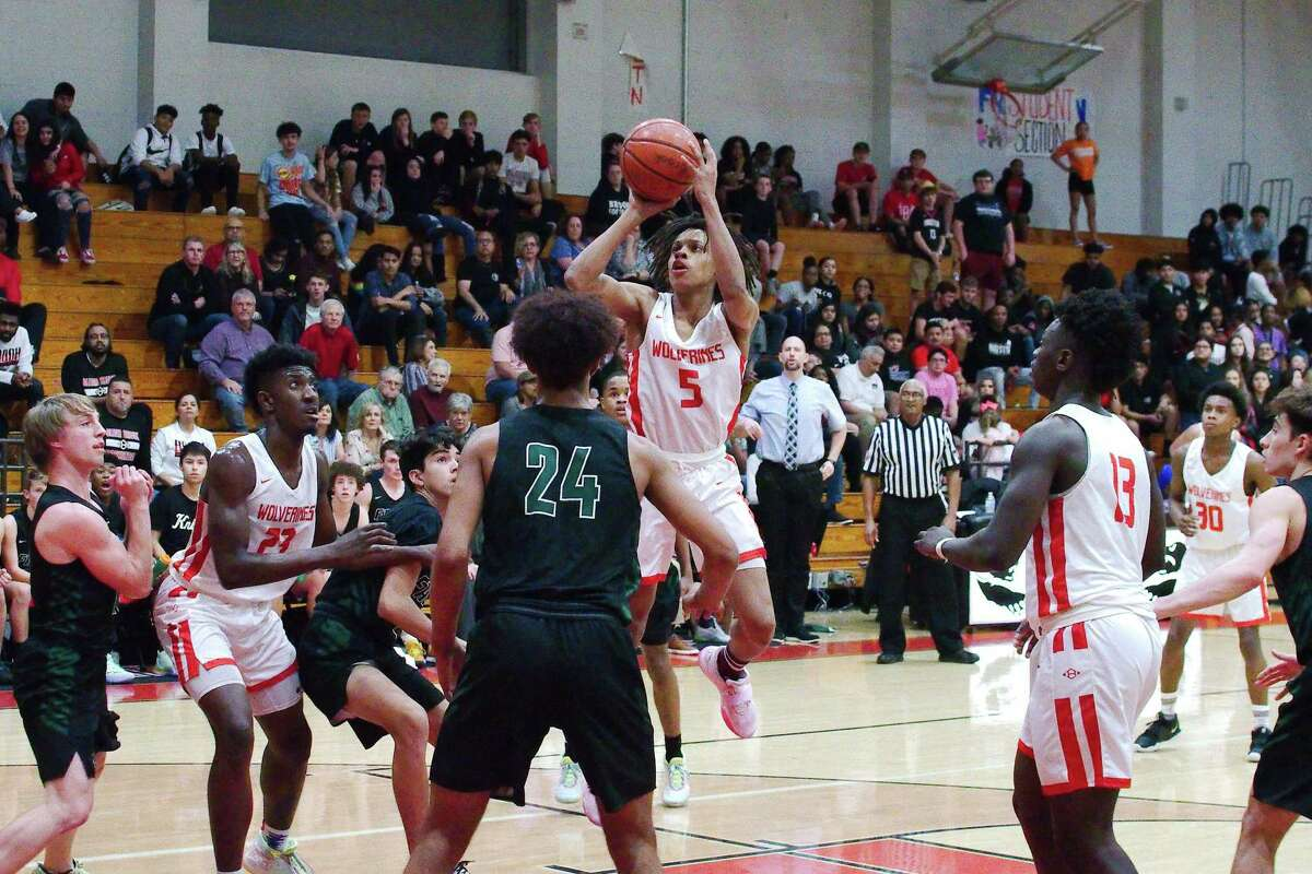 Clear Brook's Ke'Mauri Millender (5), shown last year against Clear Falls, has helped the Wolverines to an 11-0 start this season.