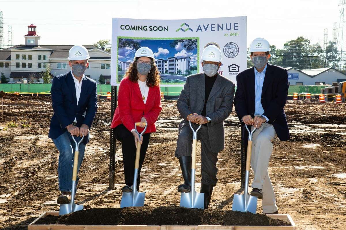 Housing and Community Development Department Director Tom McCasland, Avenue Executive Director Mary Lawler, Mayor Sylvester Turner, Amegy Executive Vice President Brian Stoker at the groundbreaking for Avenue on 34th in Oak Forest on Tuesday, Dec. 15, 2020.