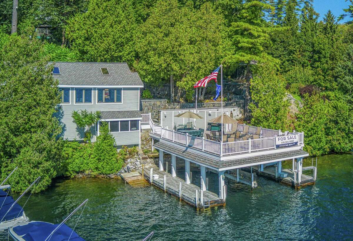 10 Colony Cove Road, Lake George