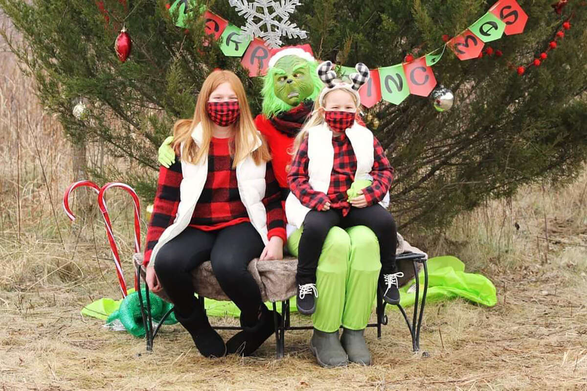 Families from all over gather to see the Grinch and take photos in rural Beardstown.