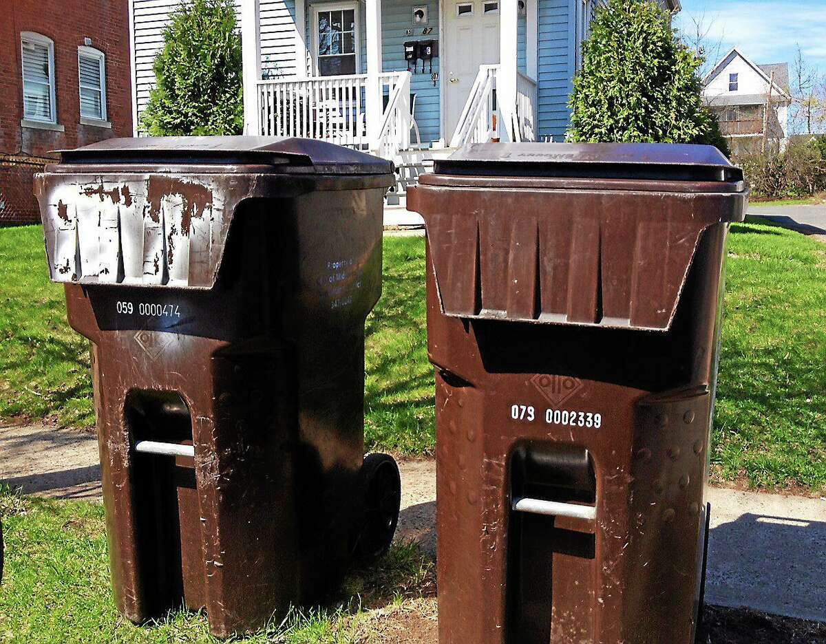 Middletown sanitation workers will not be picking up trash on Christmas or New Year's Day in 2020.