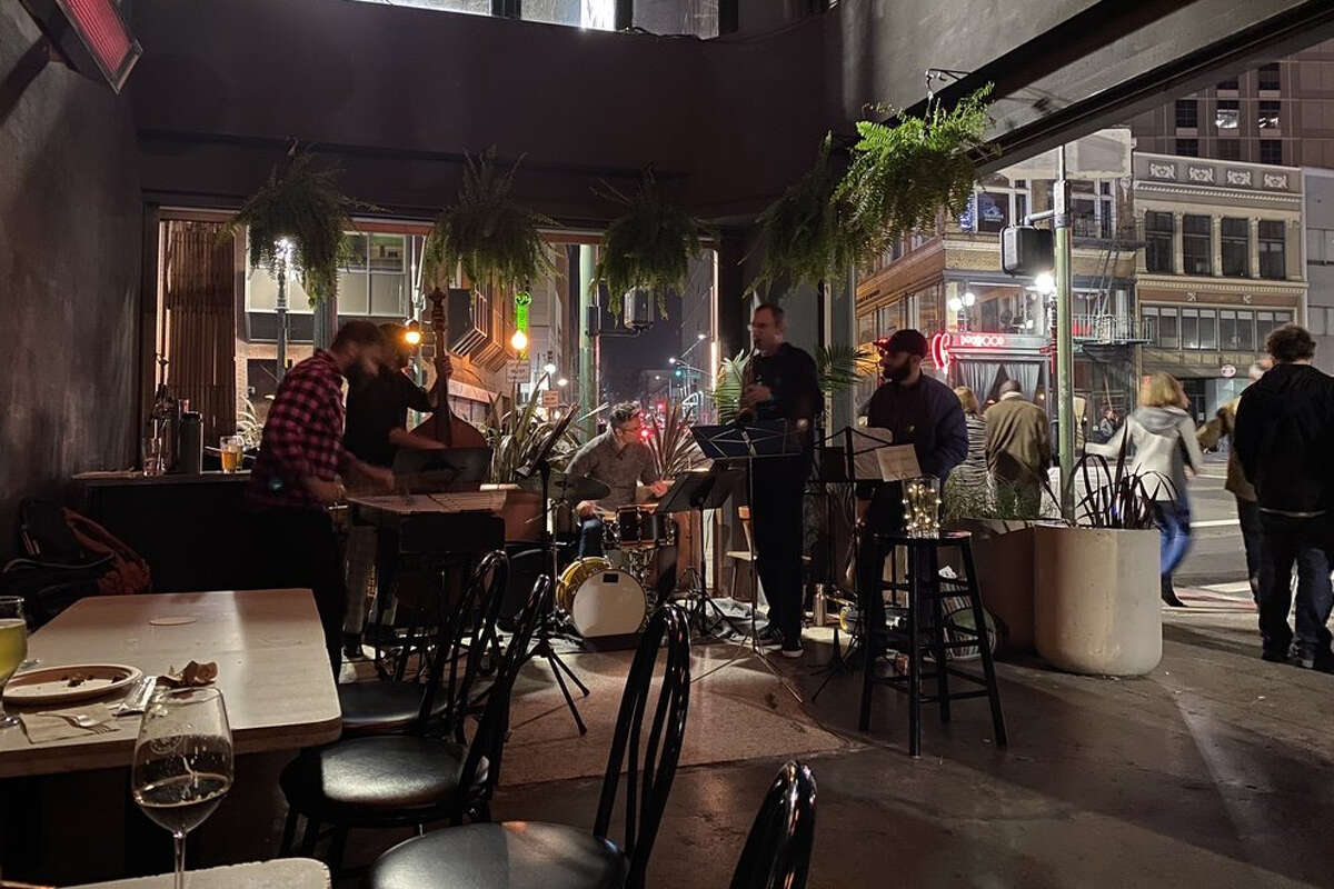 Woods Bar & Brewery, a fixture of Uptown Oakland's nightlife scene, is closing permanently after seven years.