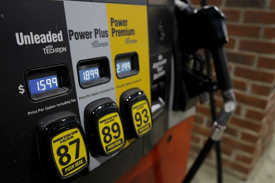 Prices are seen on a gas pump, Tuesday, March 31, 2020, in Brandon, Miss. Photo: Julio Cortez, Associated Press