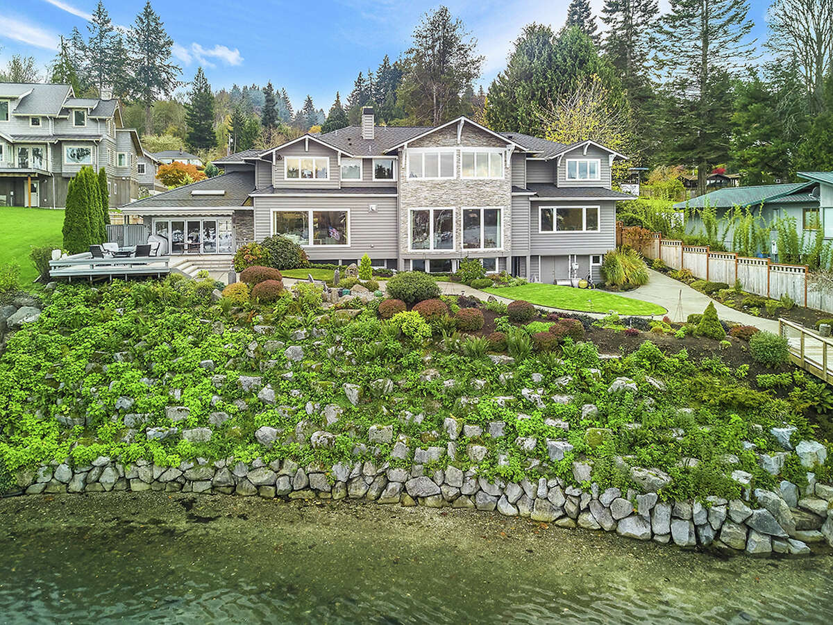 The orientation of the home and lot mean the water is basically part of the backyard.