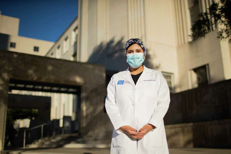 Sara Andrabi, emergency medicine doctor and assistant professor at Baylor College of Medicine on Dec. 17, in Houston. Photo: Marie D. De Jesús, Staff Photographer / © 2020 Houston Chronicle