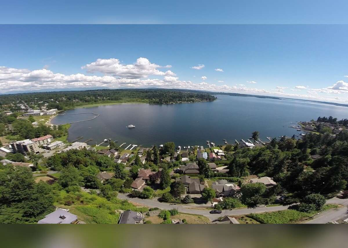 #53. Kirkland, Washington - Population: 88,079 - Median home value: $607,800 (63% own) - Median rent: $1,776 (37% rent) - Median household income: $109,715 Located on the eastern shore of Lake Washington, Kirkland is all about outdoor living, cuisine, and arts and culture. Parkland comprises about 25% of the city, while the downtown area is packed with restaurants showcasing the farm-to-table cuisine and wine of the region. In addition, the Kirkland Performance Center is a 400-seat theater that hosts a year-round calendar of music, theater, and dance performances.