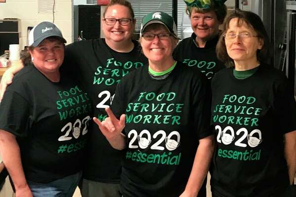 """Laker Food Services Director Cinamon Marker, far left, played an instrumental role in getting students to give up the """"brown bag"""" in favor of healthier choices. (Tribune File Photo)"""