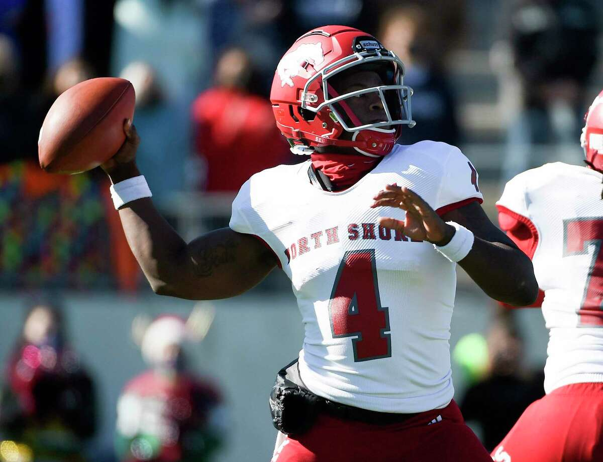 North Shore quarterback Dematrius Davis throws a pass during the first half of a 6A Division I Region II regional semi-final high school football playoff game against Tompkins, Thursday, Dec. 24, 2020, in Katy, TX.