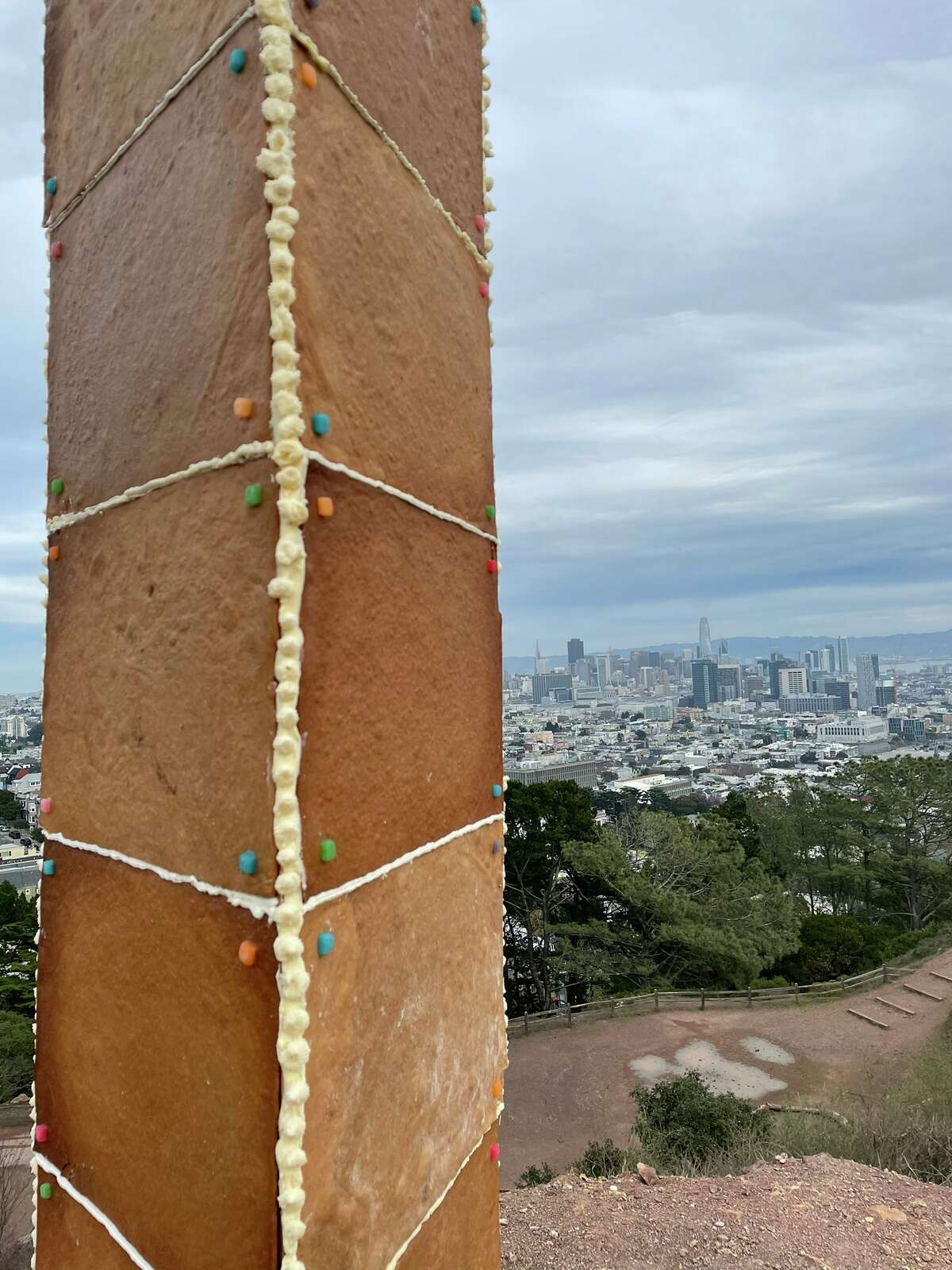 A mysterious monolith has appeared in San Francisco, following weeks of metal monoliths popping up in other parts of the world. San Francisco's version, however, appears to be edible. This closeup shows the detail on the frosting and gingerbread.